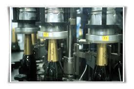 Habillage d'une bouteille de Champagne