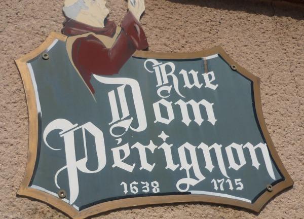 Rue Dom Pérignon à Hautvillers
