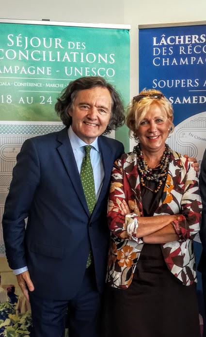 • Pierre-Emmanuel Taittinger à la tête de sa Maison de Champagne. Il est aussi Président de la Mission Coteaux, Maisons et Caves de Champagne, Patrimoine mondial. Ici, avec Catherine Coutant Conseillère municipale déléguée au patrimoine immatériel, à l'Unesco, à Reims. A Paris, à l'Unesco en 2018 (Photo FC)