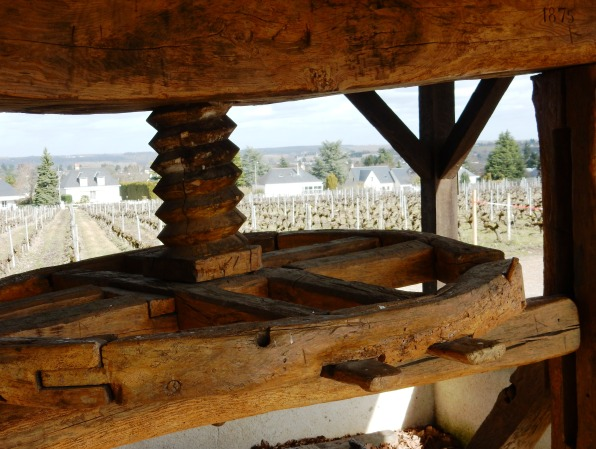 Amboise, le vieux pressoir qui vous accueille à l'entrée du domaine de la Gabillière avec une magnifique vue sur la ville et la vallée de la Loire