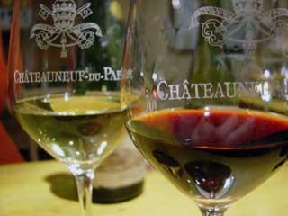 Châteauneuf-du-Pape en rouge et blanc