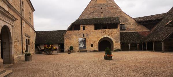Cour intérieure du château du Clos de Vougeot