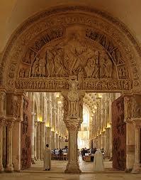 Portail de la basilique de la Madeleine