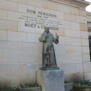 Statue de Dom Pérignon