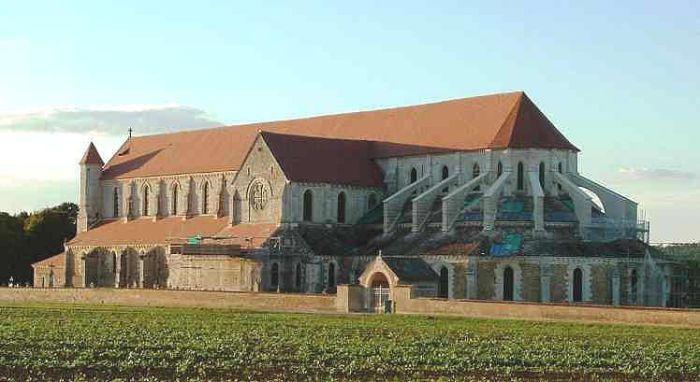 L'abbaye de Pontigny à l'origine de la renommée du Chablis