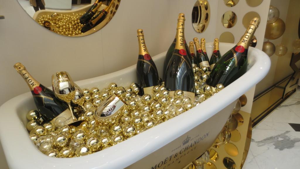 champagne le champagne 2018 dico du vin le dictionnaire du vin. Black Bedroom Furniture Sets. Home Design Ideas