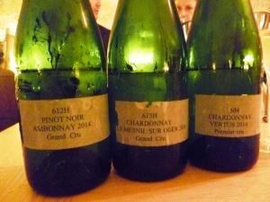 Chardonnays et pinot noir, récolte 2014, vins clairs avant l'assemblage. Paris juin 2015 Caves du Louvre. Photo FC