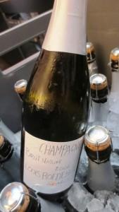 Champagne Brut Nature 2006, Louis Roderer Philippe Starck, une bouteille qui a diminué de 65 g, passant de 900 g à 835 g