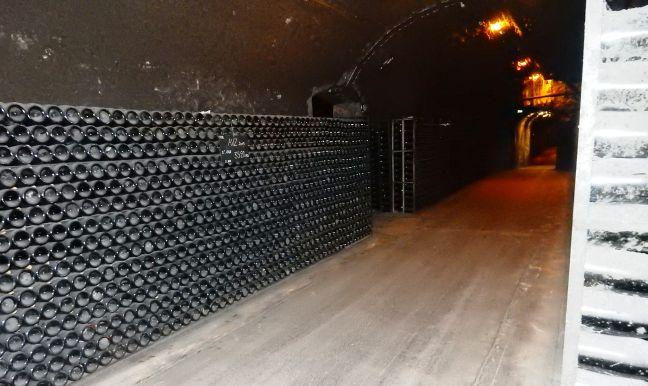 Les caves Bollinger à Aÿ.