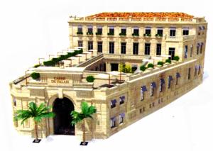 A Avignon, le Carré du Palais, centre des Côtes du Rhône place du Palais des Papes