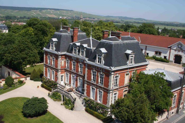Le siège de la maison de Champagne Pol Roger, avenue de Champagne à Epernay a pour adresse, 1, rue Winston Churchill (Photo FC)
