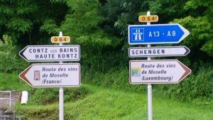 De Toul à Coblence, la Moselle traverse les vignobles du Luxembourg et de l'Allemagne dont les rieslings sont parmi les vins blancs les meilleurs du monde