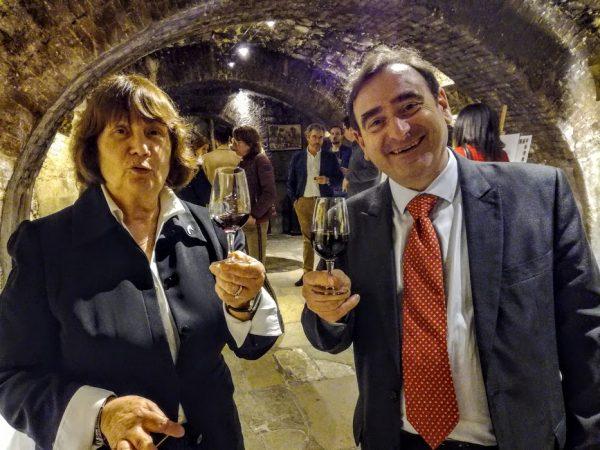 Avec Monique Josse,experte en vin au Musée du vin à Paris et Pascal Chatonnet, chercheur, oenologue promoteur de ce projet, nous trinquons à ce millésime du futur, un Bordeaux 2050 (Photo FC)