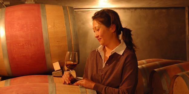 Emma Gao est devenue aujourd'hui, la nouvelle star de l'industrie vinicole chinoise. Elle est à la tête de Silver Heights.