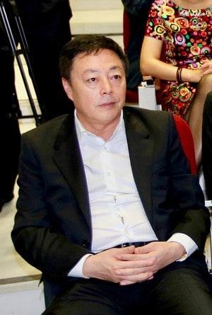 Naiji Qu PDG du groupe chinois Haichang basé à Dalian. Il est propriétaire à Bordeaux de 27 châteaux ce qui enfait avec 500 ha de vignes, le plus grand propriétaires du vignoble bordelais. Ici, à Bordeaux en 2013 (Photo Stéphane Lartigue Sus-ouest)