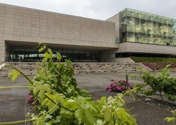 ISVV (Institut des sciences de la vigne et du vin) © Gautier Dufau