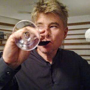 Jérôme Peter manager marketing vins organise Chez Carrefour, cette Foire aux vins 2018 (Photo FC)