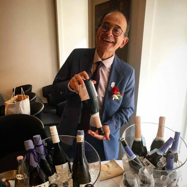 Le sommelier Manuel da Motta Veiga (ex Blue Elephant, cuisine thaïlandaise) est depuis 2018, l'ambassadeur de Dassai en Europe : avec le saké, on va chercher à enrober le plat pour le magnifier et le grandir. Le saké est un révélateur qui fait ressortir les saveurs du plat et le plat à son tour nous aide à sentir des nuances uniques dans les perceptions de la dégustation en bouche (interview donné à https://www.gaultmillau.com)
