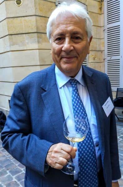 Ronald Hochar a repris les rênes du Château Musar en 2015, après le brusque décès de son frère aîné, Serge Hochar entouré de Gaston et Marc, les deux fils de Serge. Ici, à Paris en septembre 2018 chez Philippe Faure-Brac (Photo FC)