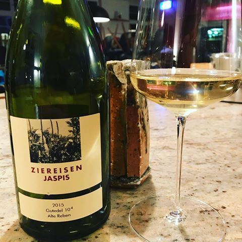 Chasselas gutedel 2015 Ziereisen Jaspis du Markgräflerland dans le Land du Bade-Würtemberg, une bouteille estimée à 130 €