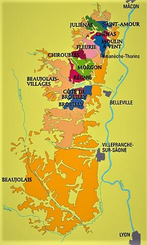 Juliénas est la porte d'entrée du Beaujolais à l'extrême nord du département du Rhône, en bordure du Mâconnais