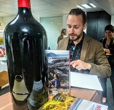 Wine Explorers, un impressionnant tour du monde qui recense les vignobles les plus improbables de notre planète.